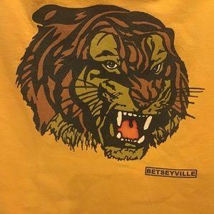 Betsey Johnson Lion T shirt. S. Med